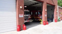 Jacksonville Fire Rescue Department Engine 30 and Safety 2 Responding