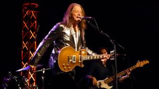 Robben Ford - Tangle With Ya - 10/21/17 The Rose - Pasadena, CA