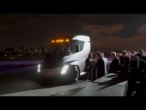 tesla semi acceleration: 4K footage up close and personal