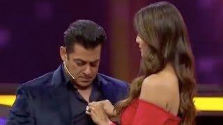 Shilpa Shetty & Farah Khan ROAST Salman Khan for his ANGREZI Girlfriends   Dus Ka Dum