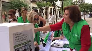 La AECC recoge firmas en Ourense para impulsar la investigación sobre la enfermedad