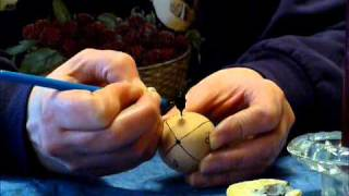 How to Make a Ukrainian Easter Egg