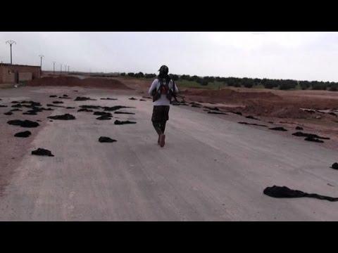 Decine di Niqab abbandonati a terra: è...