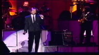 Gambar cover Julio Iglesias en concierto 3D - Amor Amor - Barcelona 1988 - HD