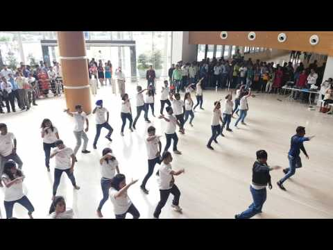 Flash Mob In My Jio Office (Lynda, LinkedIn Promotion)