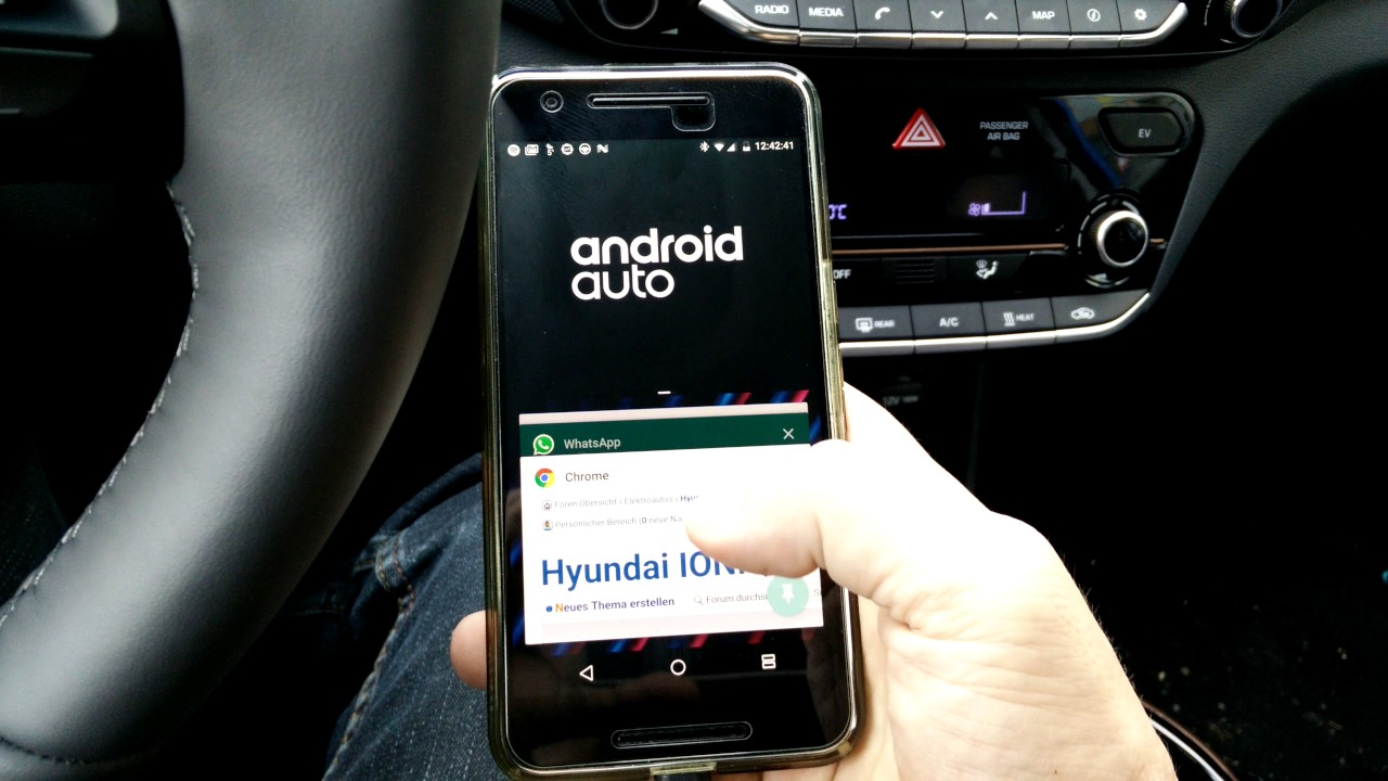 Hyundai Ioniq Electric – use Android Auto (Spotify) and Chrome browser at  the same time