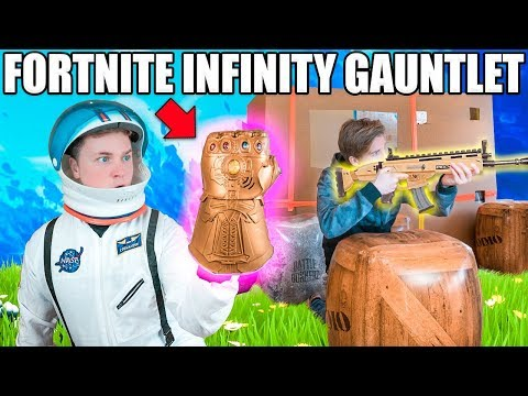 FORTNITE BOX FORT BATTLE IRL!!  Thanos Infinity Gauntlet