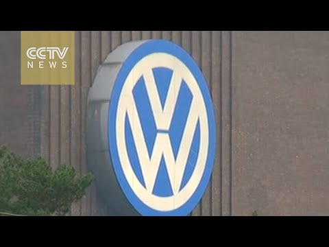 VW US boss knew 'emissions non-compliance' in 2014
