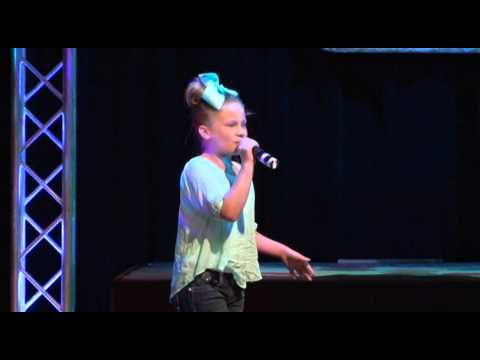 Braelyn Pointer singing Wrecking Ball at The Cactus Theater 03-30-2014