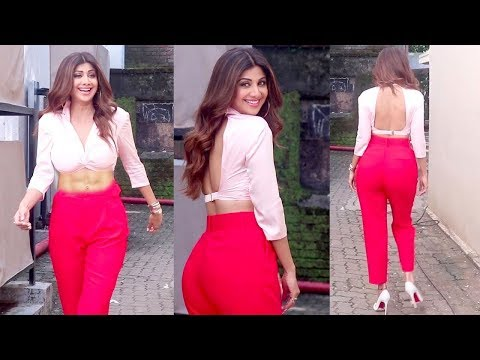 Shilpa Shetty's H0T New Dress Look Shooting For An Ad Inside Mehboob Studio thumbnail