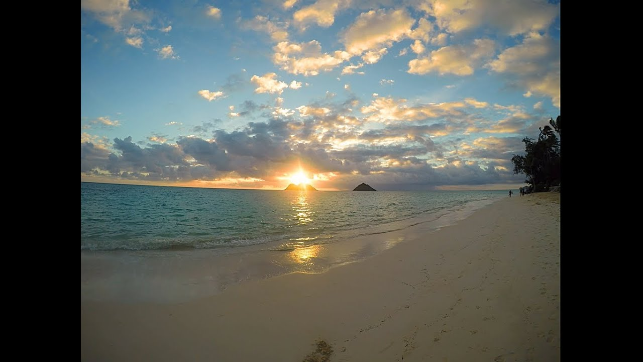 Na Mokulua Hawaii: Lanikai Sunrise, Kailua, Hawaii (Na Mokulua AKA Da Mokes