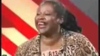 risa contagiosa   mujer con risa de perro