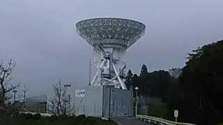 千葉県勝浦市の山奥に設置されている大型パラボラアンテナは、JAXAです...