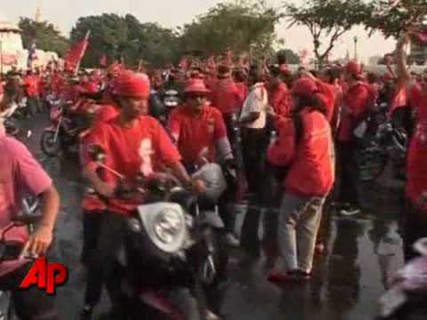 Raw Video: Anti-government Protest in Bangkok
