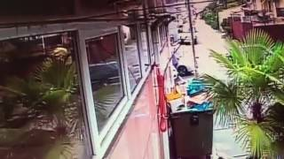 Неизвестный напал с ножом на сотрудника ДПС в Кудепсте 09.04.2017 г.