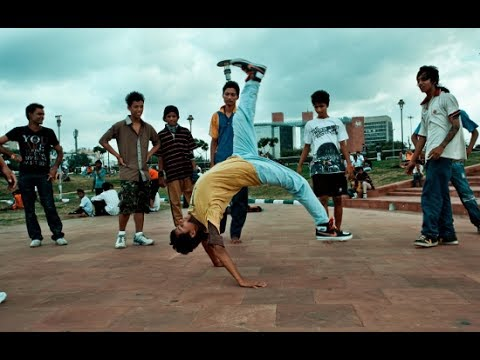 Amazing B-Boying Dance Stunts By D9 Dance...