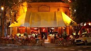 Romario Pizzeria - Pizza Con Amigos - Comer Pizza - Mejor Pizzeria