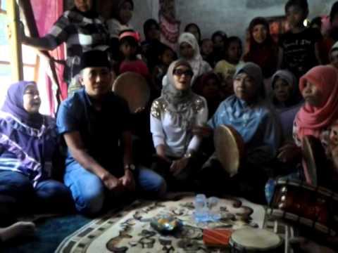 iyet bustami bersama grup rebana kampung lalang