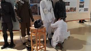 La pulitura delle uniformi militari appartenenti alle collezioni del Museo della Montagna di Torino
