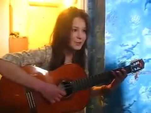 Девушка классно играет на гитаре видео