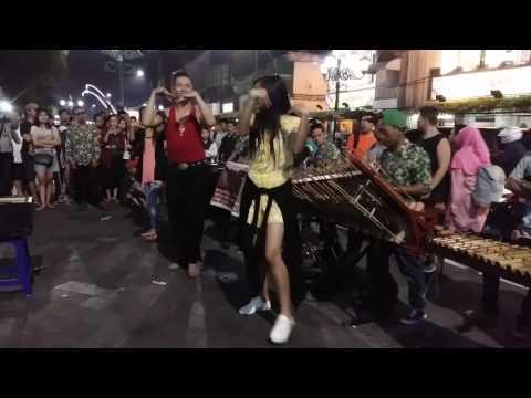 Pengamen jalanan Malioboro Yogyakarta