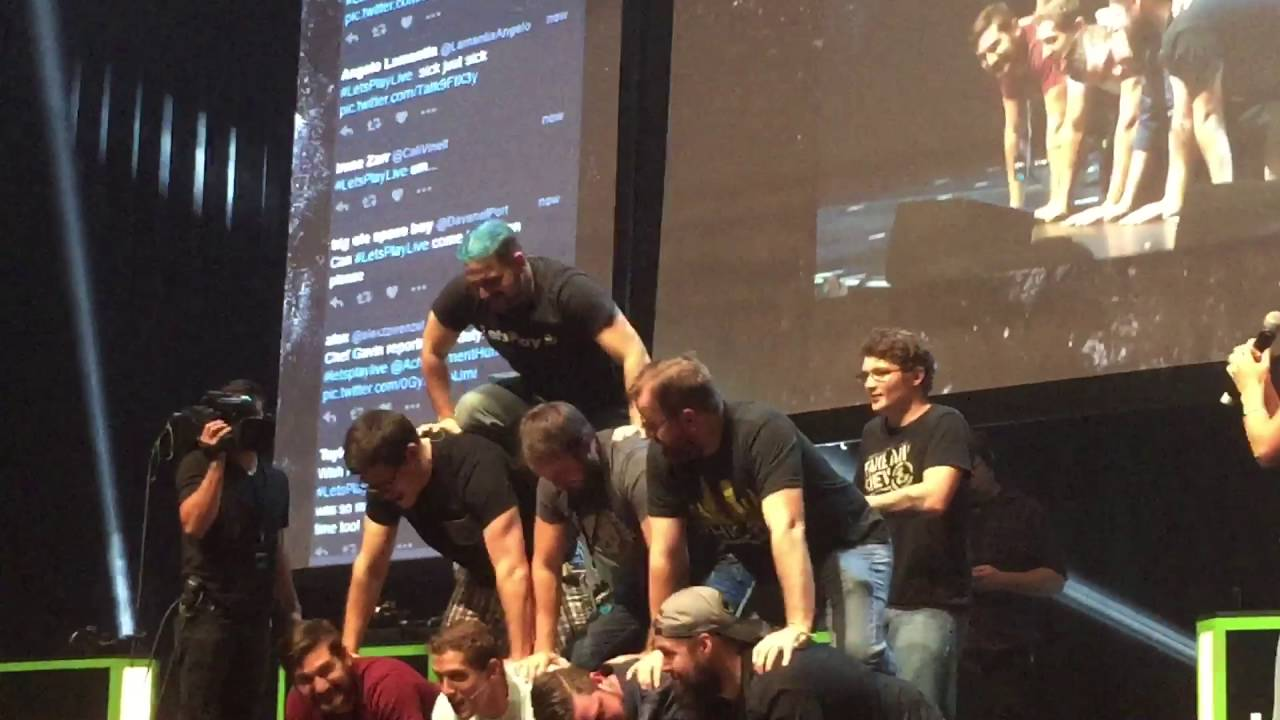 LetS Play Live Pyramid