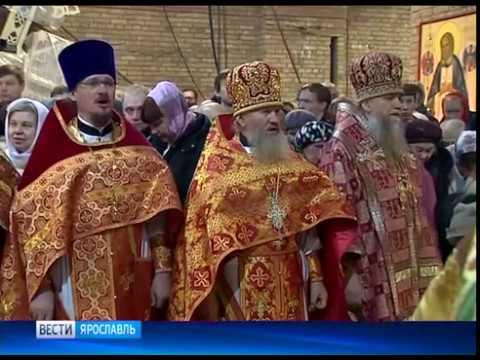 В Свято-Тихоновском храме Ярославля прошла Божественная литургия