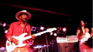 Larry Graham, Thank You (Falettinme Be Mice Elf Agin), BB King Blues Club, NYC 6-3-11