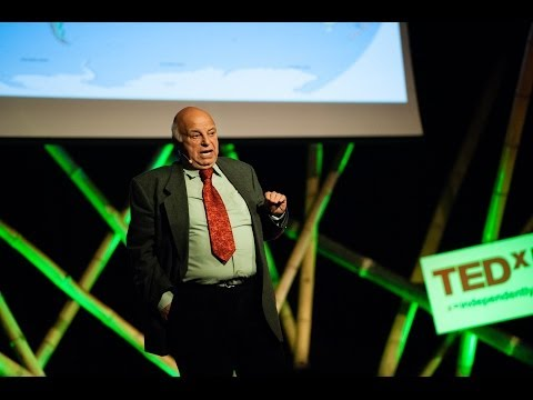 Új világ, új hatalom: Nógrádi György at TEDxDanubia 2014