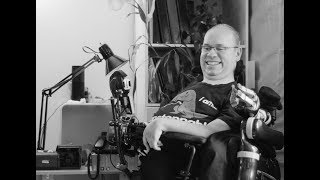Alain Gaudet et son bras d'assistance robotisé JACO