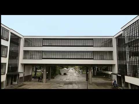 Walter Gropius: Bauhaus School Dessau