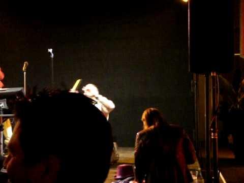 karaoke - guy named Ofer, singing?