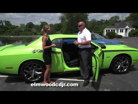 comparing-the-dodge-challenger-and-charger-at-elmwood-auto-group