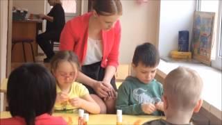 Занятие в детском саду  Обрывной метод аппликации