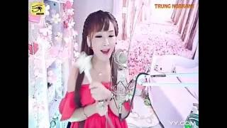 Cute chinese girl sing - beautiful chinese girl sing beautiful song - small rain - good sing