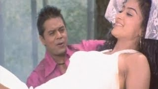 Musuka Hasyau - Takdeer - Nepali Filmy Song - Dilip Rayamajhi - Jharana Thapa - Udit Narayan
