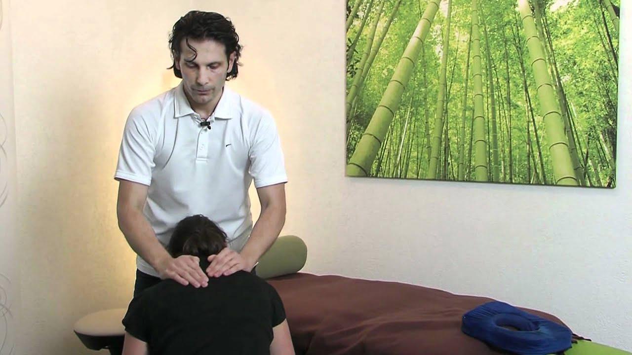 massagegriffe zur linderung von kopfschmerzen und. Black Bedroom Furniture Sets. Home Design Ideas