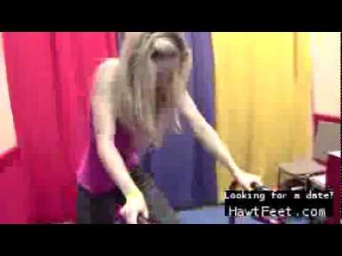Barefoot Body Walking demonstration (F/f trample)