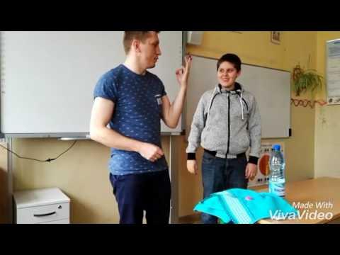 nastolatek cipki w majtkach