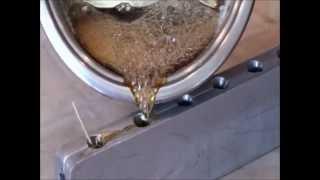 Леденцы на палочке в домашних условиях.wmv(Как приготовить леденцы на палочке дома. Только сахар и вода!, 2012-04-24T11:54:56.000Z)