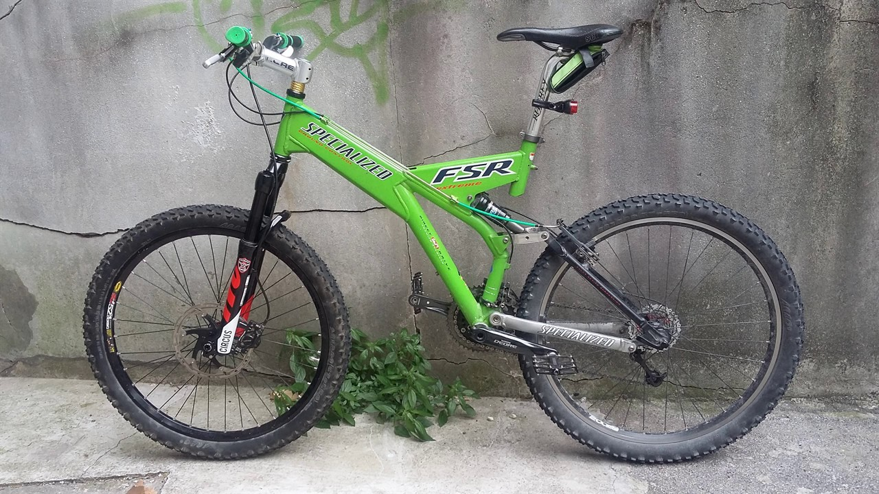 a984b026993 SPECIALIZED Ground Control FSR Extreme Vintage bicycle in action GoPro