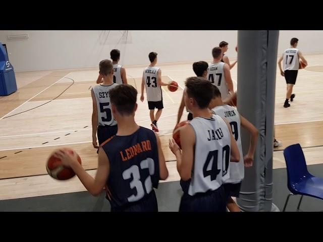Obóz koszykarski Basketmania Camp -  trening z Kacprem Radwańskim grupa 1 1.07.2019