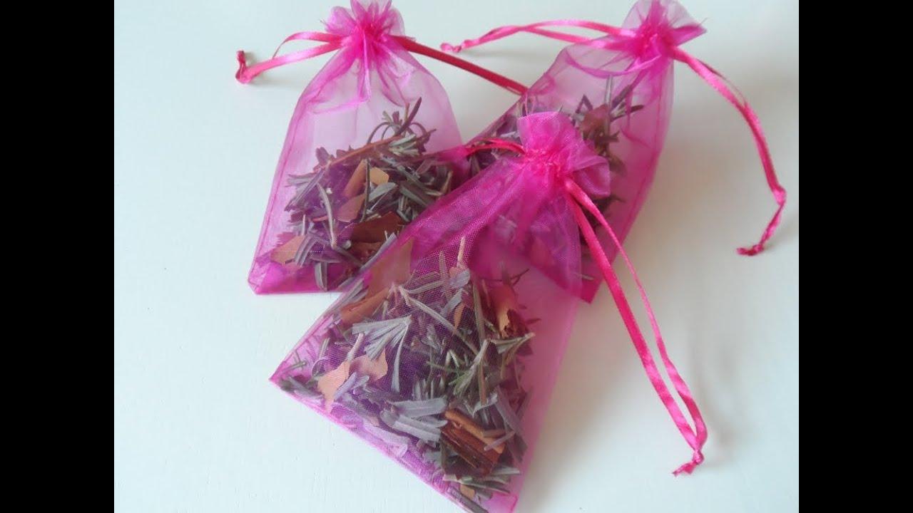 Saquitos perfumados para el armario antipolillas natural