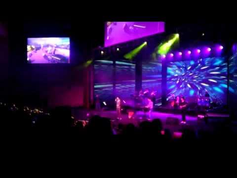 کنسرت بهنام صفوی-عشق من باش behnam safavi concert eshghe man bash