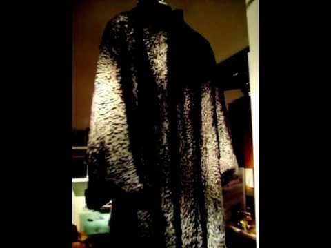 promo code fd4e3 765a0 Vendo splendida pelliccia di Astrakan. Dalla fredda Russia per riscaldare  il cuore della tua amata.