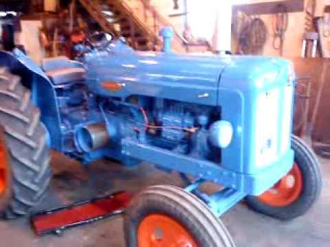 553ef00828 Fordson Power Major - YouTube