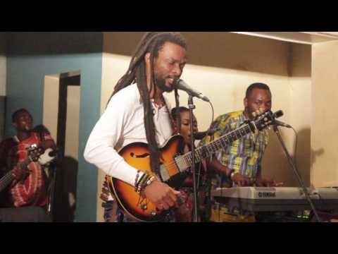 Beautiful Nubia - Live at EniObanke - Ikoko Akufo