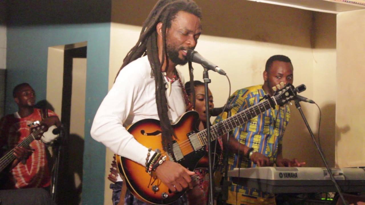 Download Beautiful Nubia - Live at EniObanke - Ikoko Akufo