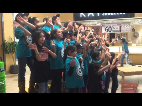 Mattawa Elementary School Marimba and Stomp perform at Valley Mall