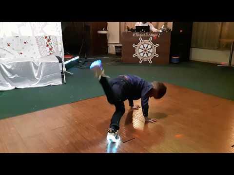 Break dance improvisation